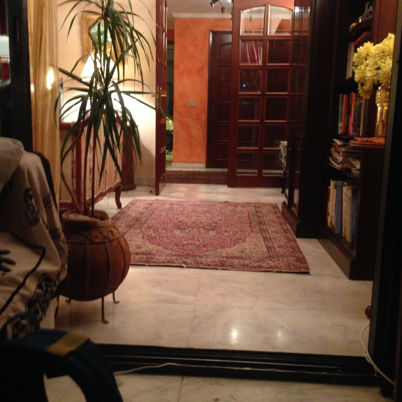 Nan'ın evinin girişi..