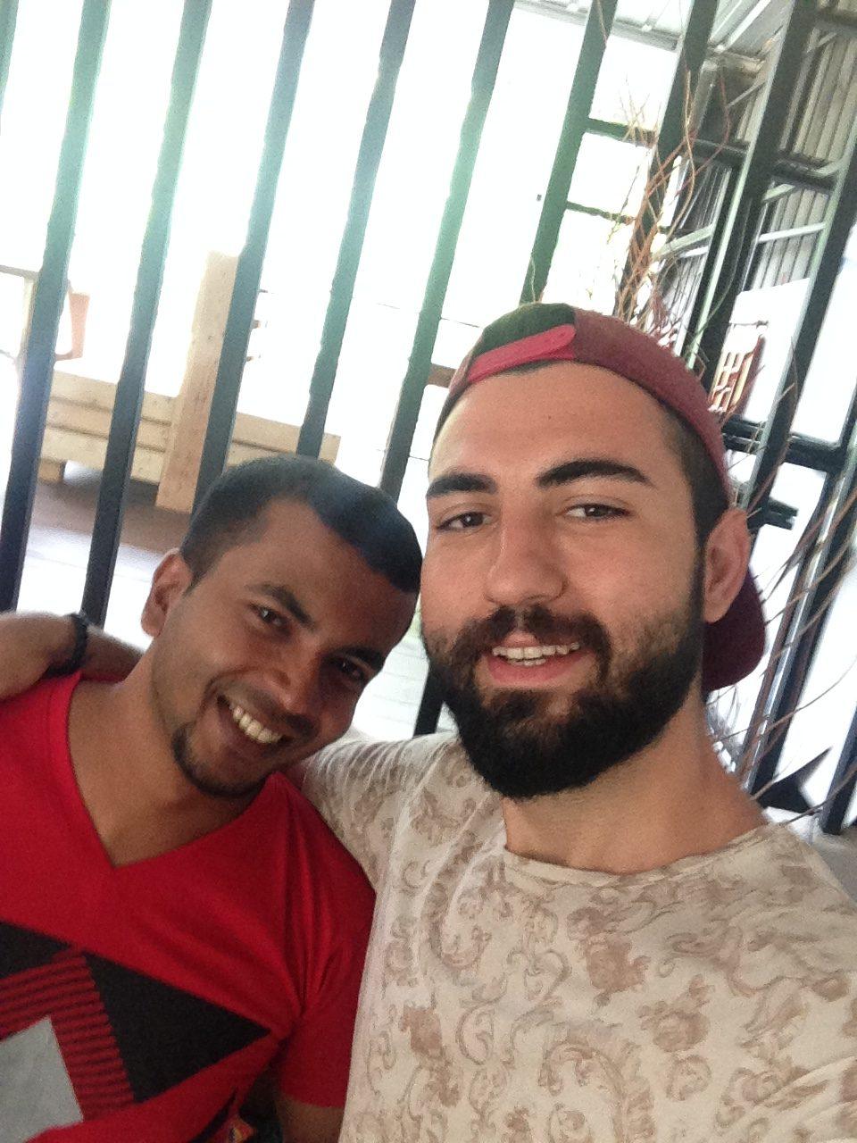 Mirissa'da kaldığım hostelin sahibi arkadaşım Chutu
